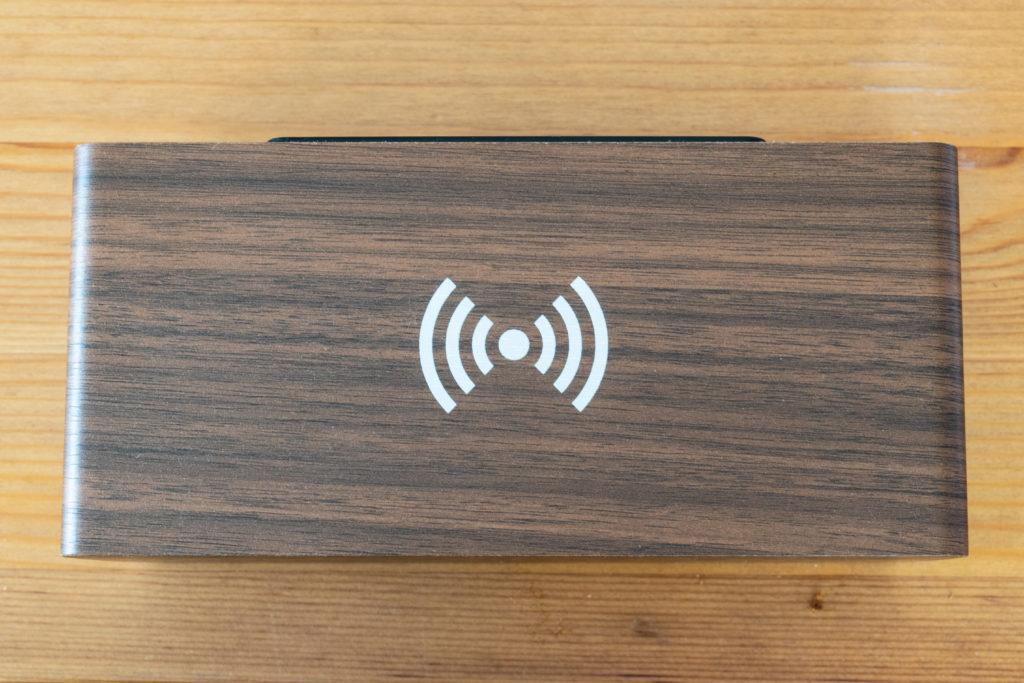 京都雷鳥の置き時計 ワイアレス充電マーク