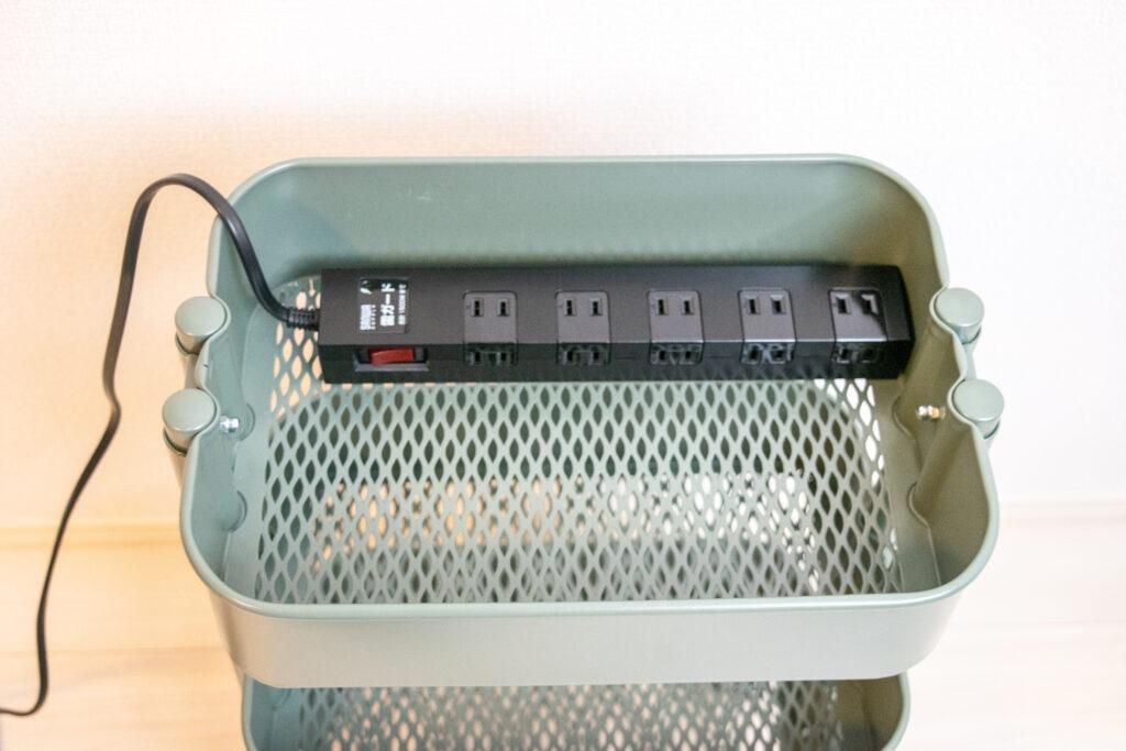 無垢の1枚板を天板にしてデスクを自作【DIY】IKEAワゴンに電源タップ