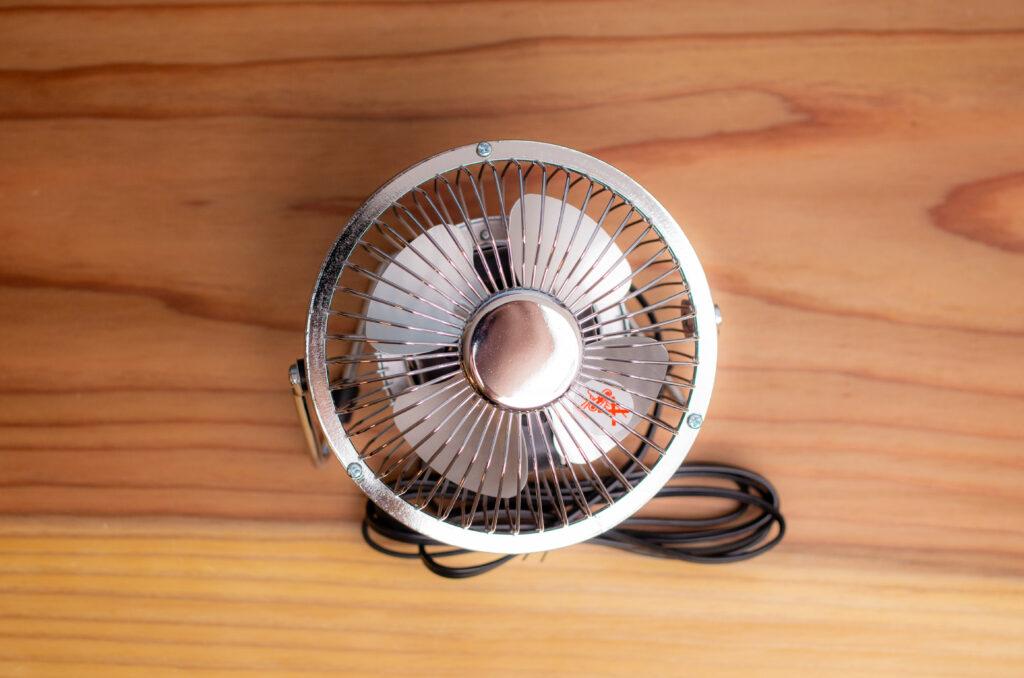 NICOH マグネットファン 磁石付き卓上扇風機【レビュー】